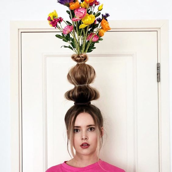 Flower vase hair