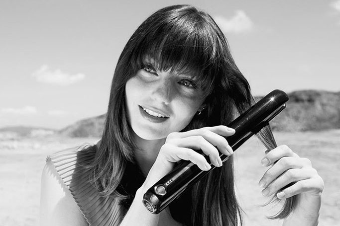 This Cordless Hair Straightener is Hugely Hyped