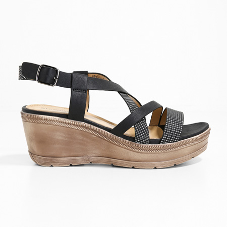 Black Grace platform sandals by Le Confort