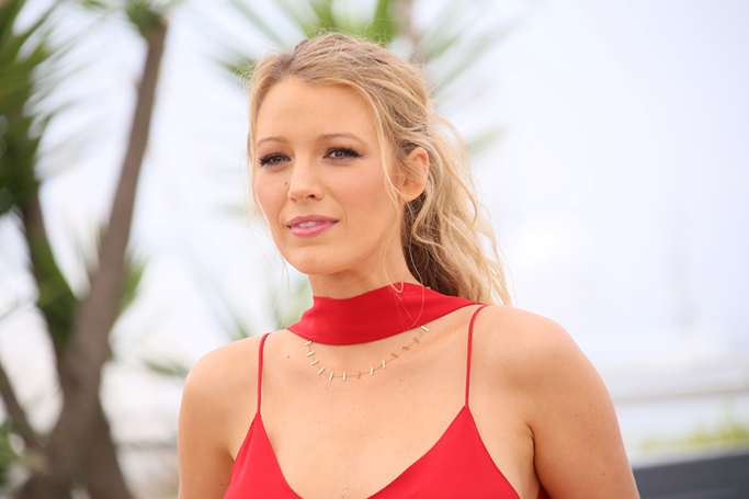 Blake Lively Joins Ryan Reynolds In Abu Dhabi