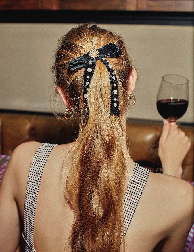 How to style hair ribbons