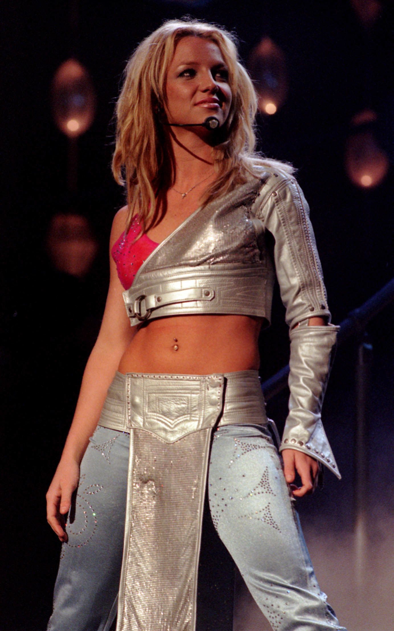 Britney Speaers performing in 2001
