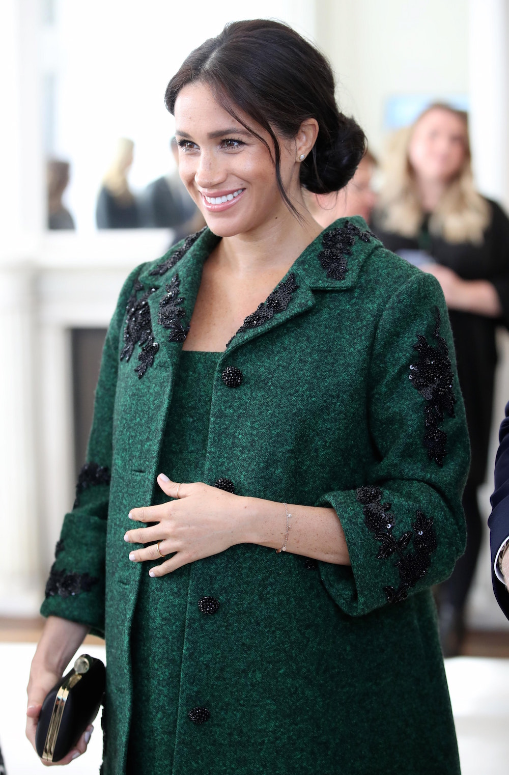 Meghan Pays Tribute To Canadian Fashion Designer