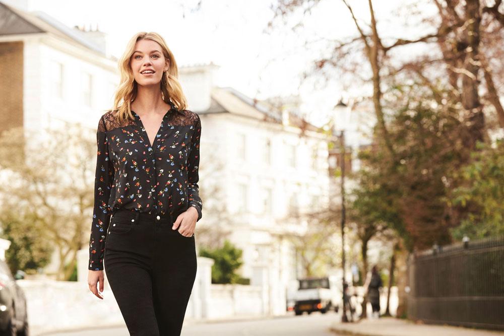Sosandar Black Ditsy Floral & Lace Shirt