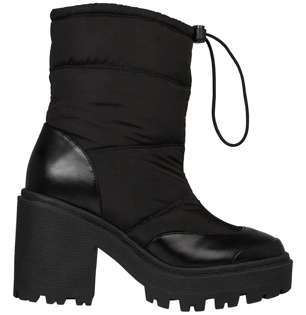 River Island Snow Boots, £45/AED203.12