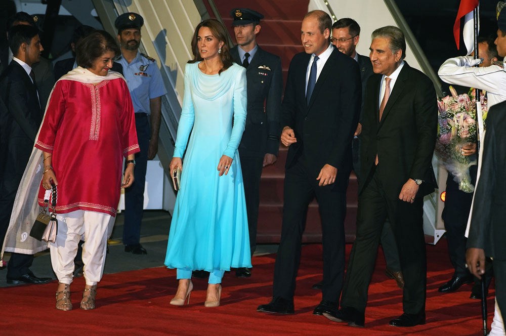 Kate arrives in Pakistan wearing Catherine Walker