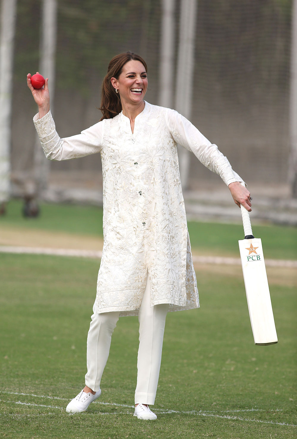 The duchess wore all-white to play cricket