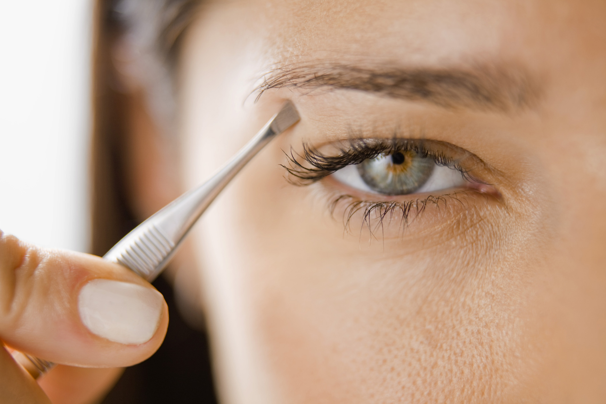 Which is best: plucking, waxing or threading?