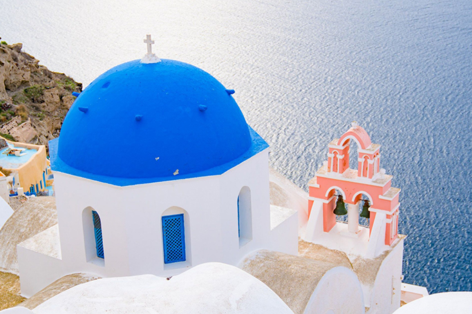 Why Greece Is The Perfect Winter Destination