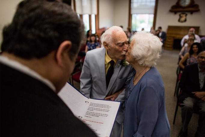 A 98 Year Old Woman Married A 94 Year Old Man After Meeting At A Gym