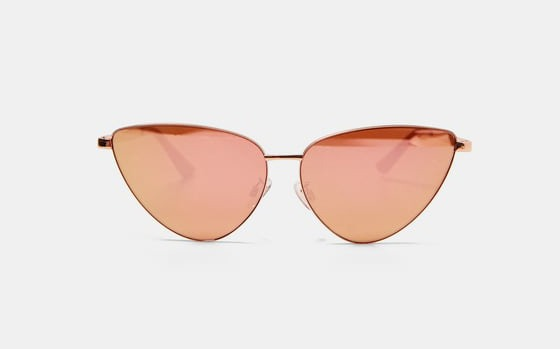 2708740ba7 8 Pairs Of Sunglasses That Are Trending In 2018