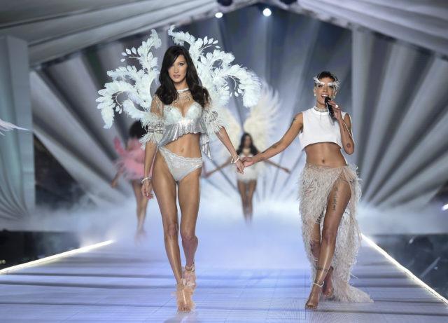 Victoria's Secret Fashion Show makeup 1