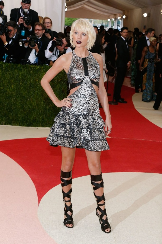 2016 Taylor Swift in Louis Vuitton