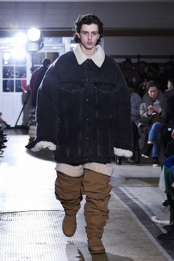 c76454dd704 Ugg Debuts High-Fashion Boots At Paris Fashion Week Men's | ewmoda