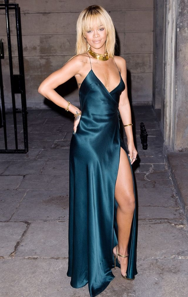 10 Times Rihanna Ruled The Red Carpet Like A Boss | ewmoda