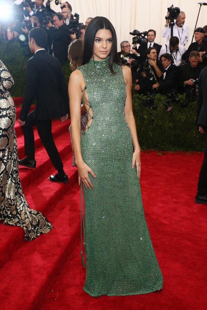 2015 Kendall Jenner in Calvin Klein