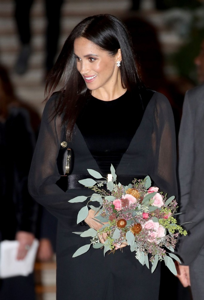 Meghan Markle in Givenchy 1
