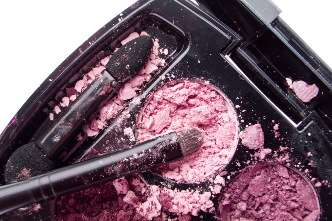 How To Fix Broken Or Shattered Makeup Products