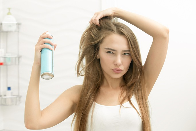 8 Hair Mistakes That Are Ruining Your Hair