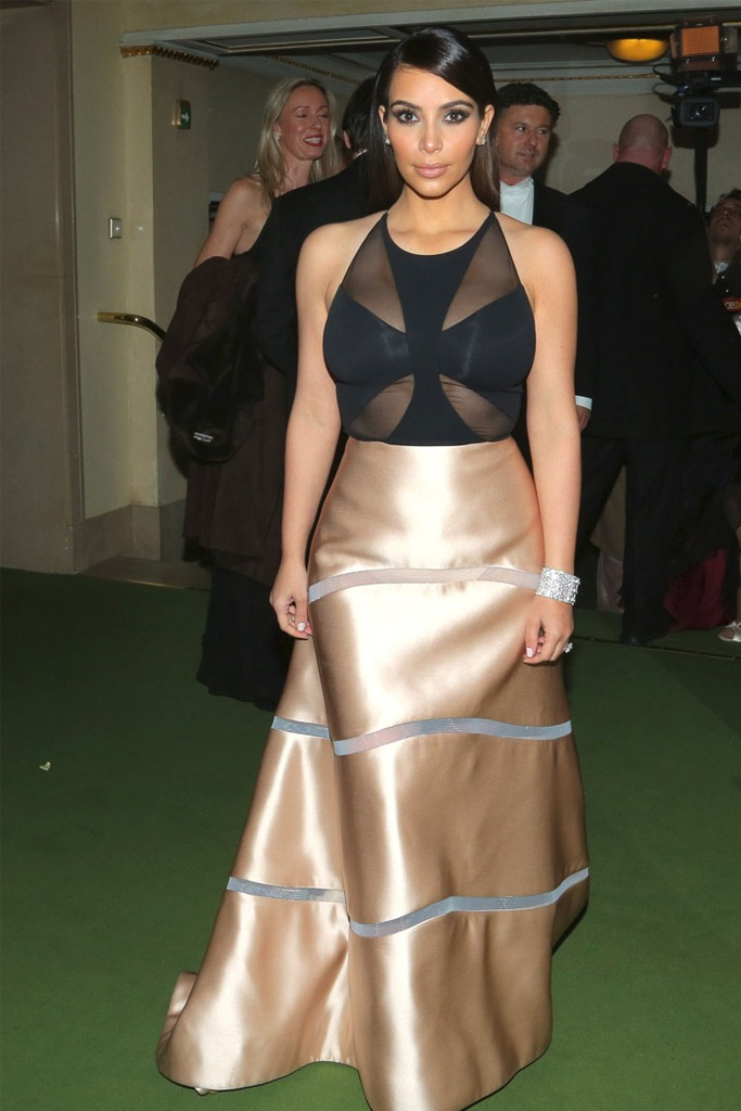 dubai opera dress code