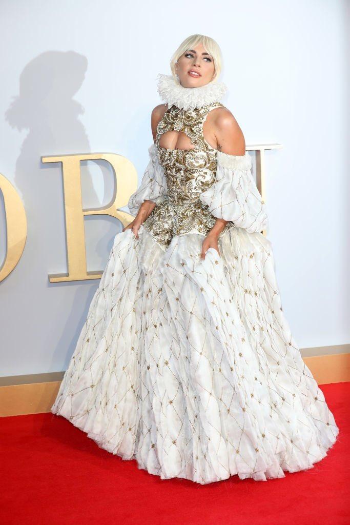 5 Jaw-Dropping Lady Gaga Red Carpet Looks | ewmoda