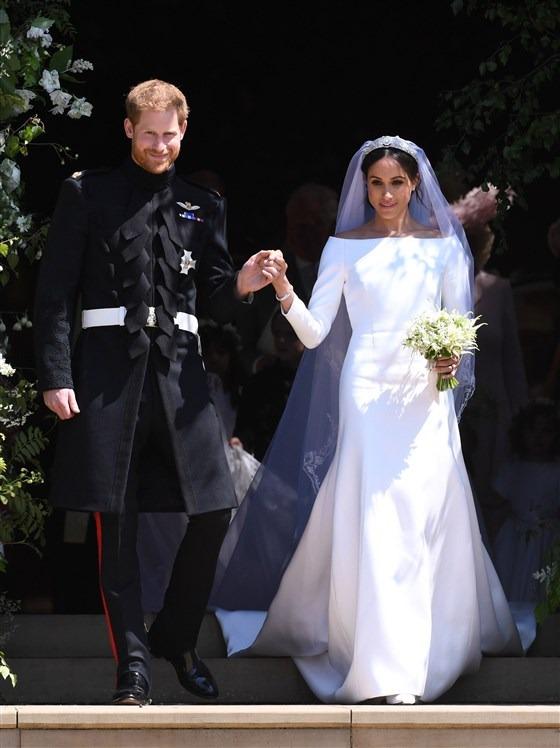 Meghan Markle boat neckline bridal look