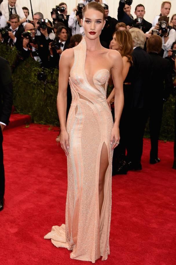 2015 Rosie Huntington-Whiteley wearing Atelier Versace