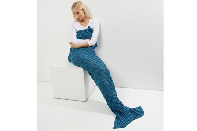 New Look - Blue Scale Texture Mermaid Tail Blanket