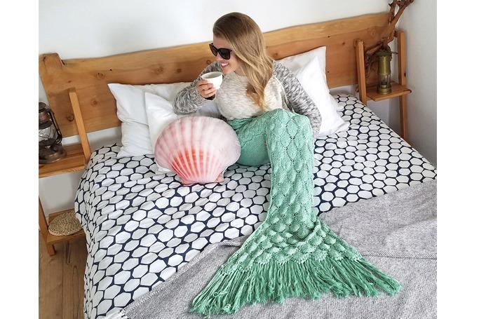 Sea Tail Shop - Seafoam Mermaid Blanket