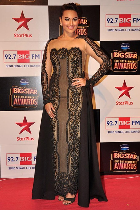 Sonakshi Sinha at the Big Star Entertainment Awards 2014