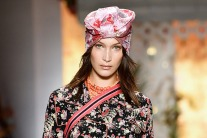 Headscarf on the runway: SS19