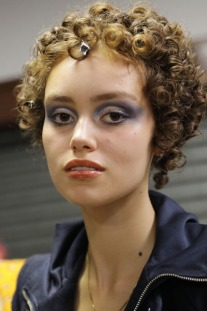 This Make-Up Artist Wants You to Ditch Your Cat-Eye For a 'Blue Fade'
