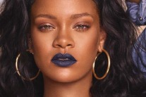 Rihanna Is Coming To Dubai For A Makeup Masterclass