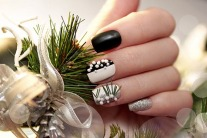 Festive Nail Art For The Christmas Holidays