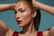 Jennifer Lopez's Makeup Line Will Be Available In The Middle East