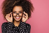 6 Make-Up Tips for People Who Wear Glasses