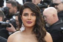 How to Master Priyanka Chopra's Cannes Graphic Eyeliner