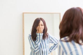 Ways to fake the wide-awake look