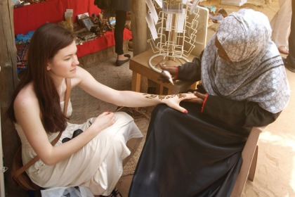 Henna in Dubai - What It Is and Where to Get It | ewmoda